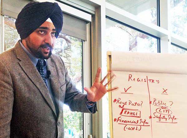Singh presents at a summer 207 dialogue