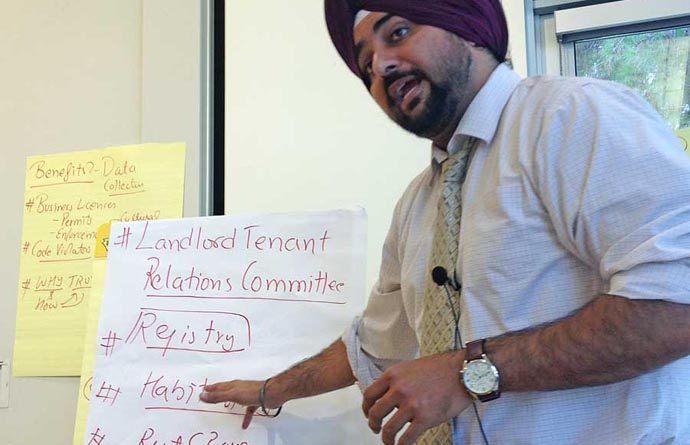Facilitator Singh at dialogue #5